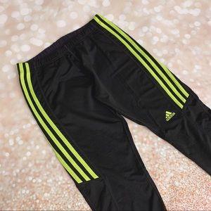 NWOT Adidas black/neon workout gym capri legging